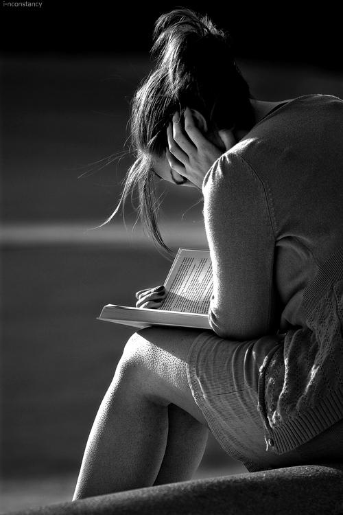 read-book-woman-portrait-black-and-white