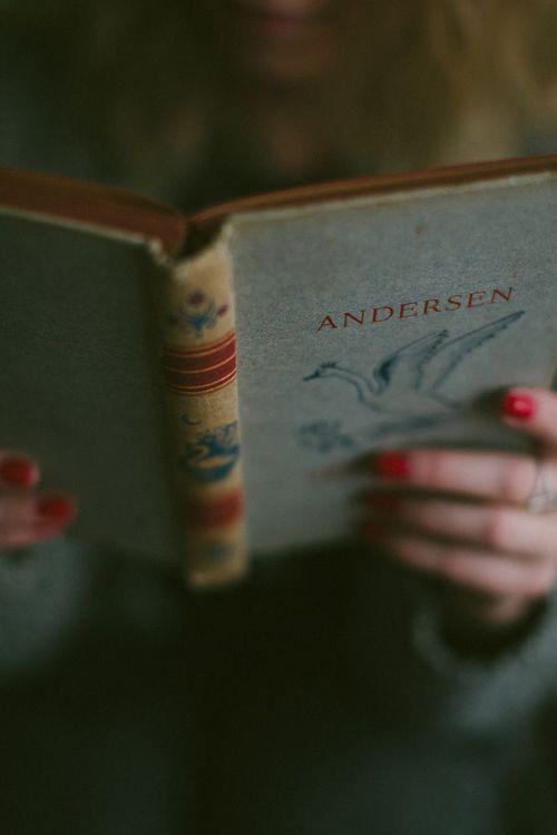 reading-book-parent-child-son-daughter